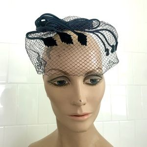 Vintage 1950's navy blue veil fascinator hat